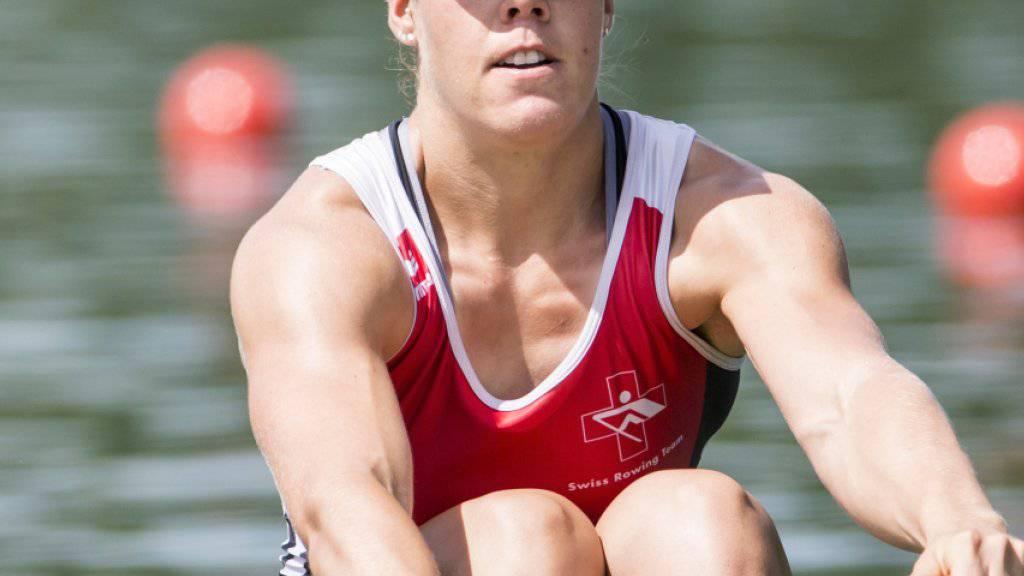 Jeannine Gmelin gewinnt die Weltcup-Regatta auf dem Rotsee bei Luzern überlegen