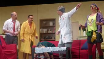 Das Theaterstück von Rolf Bechtel besticht durch Turbulenzen und Missverständnisse und sorgt beim Publikum für viel Unterhaltung. Ingrid Arndt
