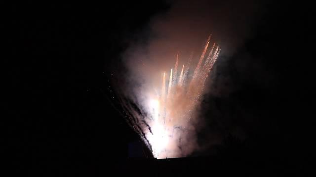 Feuershow und Feuerwerk am Schlierefäscht