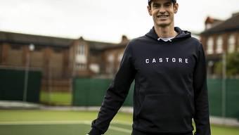 Ein schmerzfreier Andy Murray zeigt sich gut gelaunt