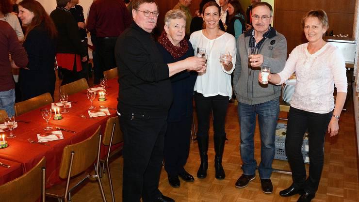 V.l.: Der abtretende Gemeindepräsident Jürg Ryffel(Gemeindepräsident), die Gemeinderäte Marlies Strub, Jacqueline Eng, Martin Hengartner und Gemeindeschreiberin Annina Zimmermann.
