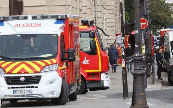 Über zehn Feuerwehrfahrzeuge waren anwesend.