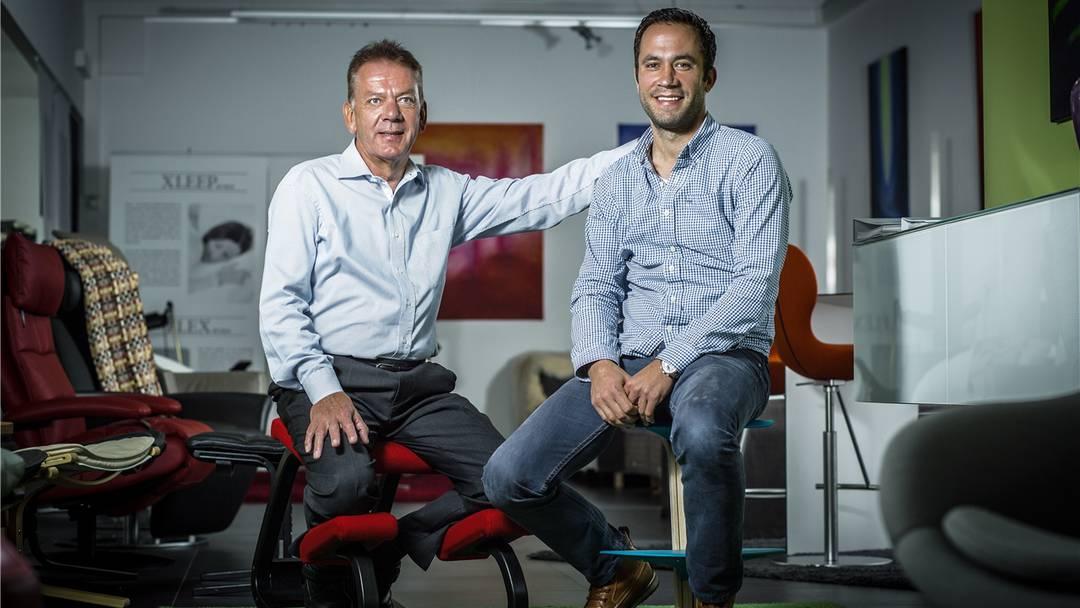 Vier kleine Schritte zum ergonomischen Arbeitsplatz – Ergotherapeut Matthias Emmenegger erklärt in der Sendung «CheckUp» wie das geht.