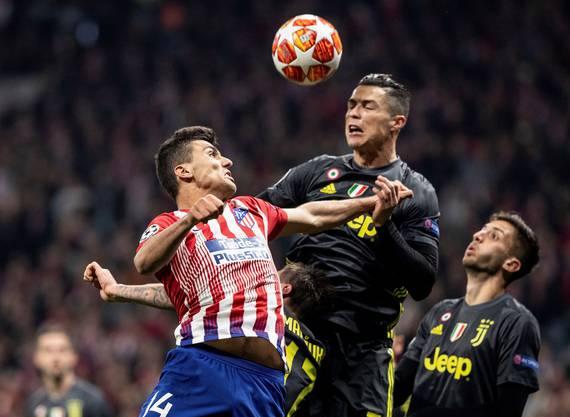 Und noch schlimmer: Ronaldo verliert gegen Juventus das Hinspiel im Champions-Laegue-Achtelfinal mit 0:2.