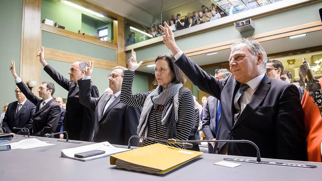 Der Walliser Staatsrat beschliesst zusätzliche Massnahmen im Kampf gegen das Corona-Virus.