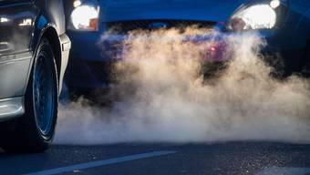 Ein kräftiges Fahrzeug, das stark beschleunigt wird, kann zwar laut sein. Ein solcher Fahrstil ist aber nicht strafbar.