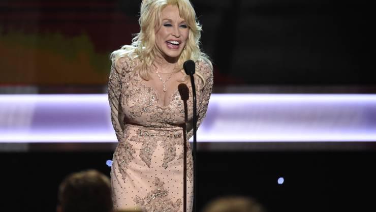 """Am Freitag veröffentlicht Country-Sängerin Dolly Parton """"Dumplin'"""" - den reichhaltigen Soundtrack zum gleichnamigen Netflix-Film. (Archivbild)"""