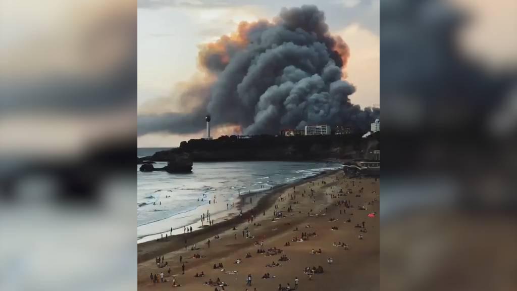 Frankreich: Waldbrand treibt Dutzende Menschen in die Flucht