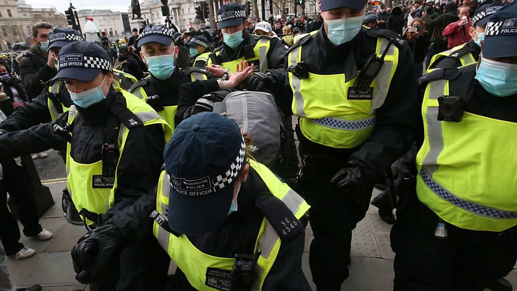 Erneut Proteste in England gegen neues Polizeigesetz