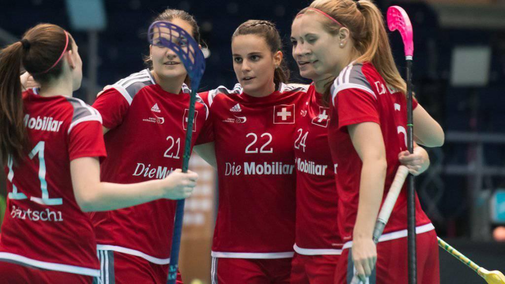 Die Schweizerinnen können an der Unihockey-WM gegen Lettland gleich neunmal jubeln