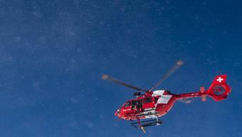 Auch eine Crew der Rega war im Einsatz (Symbolbild).