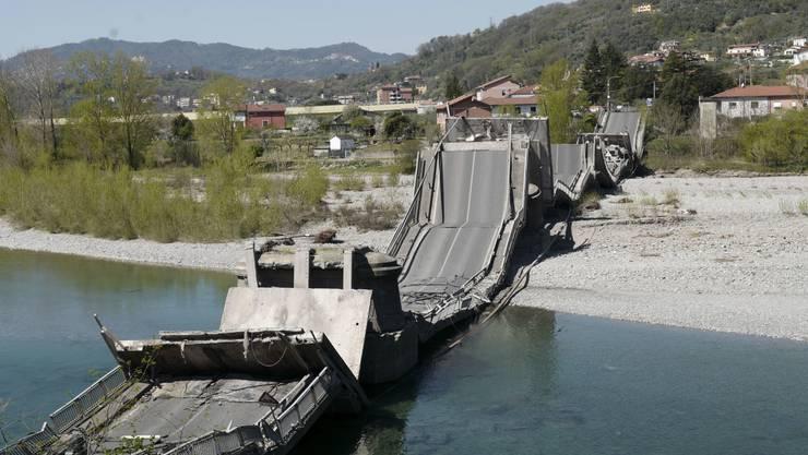In Italien ist eine Brücke einer Staatsstrasse zwischen Ligurien und der Toskana eingestürzt.