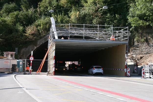 Fussgänger dürfen nicht mehr durch das Tunnel gehen.
