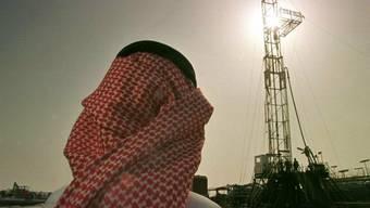 Mit angeblichen Investitionen in die Ölfirma Saudi Aramco lockte der falsche Prinz seine Opfer. (Symbolbild)