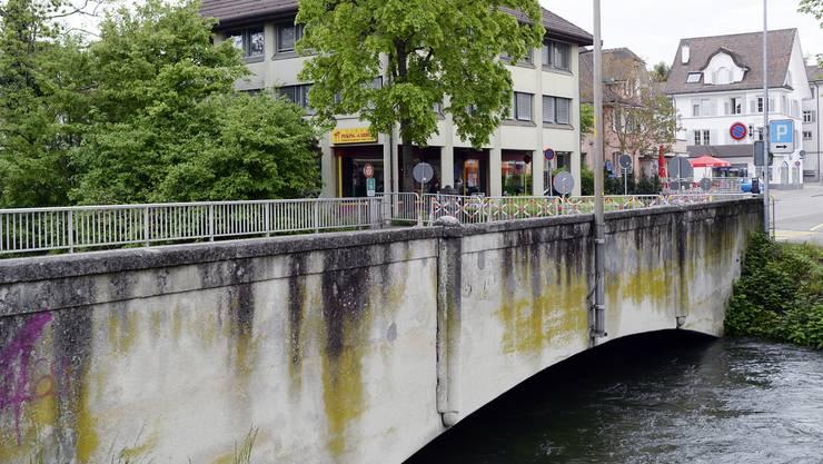 Bereits im Mai 2015 wurde die Glattbrücke aufgrund des Dauerregens gesperrt.