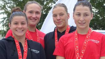 Die vier Schweizermeisterinnen über 4x200m Freistil.