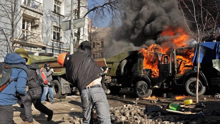 Die Protestler liefern sich einen Strassenkampf in der Hauptstadt Kiew.