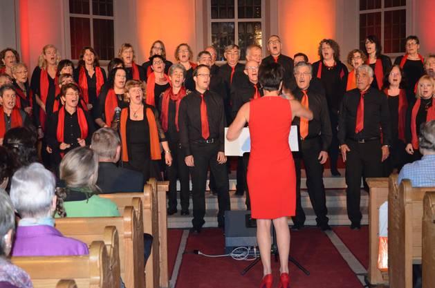 Kraftvoll intoniert der Unity-Chor die Gospellieder