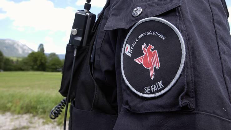 In Mümliswil nahmen Mitglieder der Sondereinheit Falk den Mann gegen Mitternacht fest. (Symbolbild)