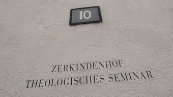 Für Frauen heisst es in der ehrwürdigen Gründungsfakultät derUni Basel: Assistentin ja, Sekretärin ja, Professorin nein.