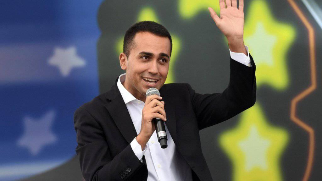 Will nun doch Regierungsverantwortung in Italien übernehmen: Der neue Anführer der populistischen Fünf-Sterne-Bewegung, Luigi Di Maio. (Archivbild)