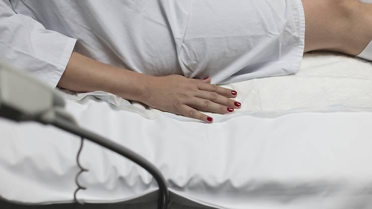 """Die """"intelligente"""" Damenbinde soll Schwangeren mit Verdacht auf hohes Frühgeburtsrisiko lange Spitalaufenthalte ersparen. (Symbolbild)"""