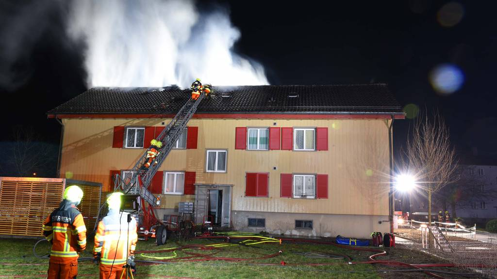 18_2021 Foto 2 Dachstockbrand in Stans