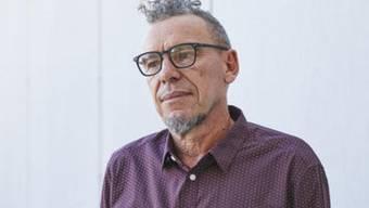 Der Berner Schriftsteller Tom Kummer hat sich an den 43. Tagen der deutschsprachigen Literatur wacker geschlagen: Sein Text wurde trotz 90er-Jahre-Ästhetik und sehr viel Pathos hauptsächlich positiv aufgenommen. (ORF/ORF K/Johannes Puch)
