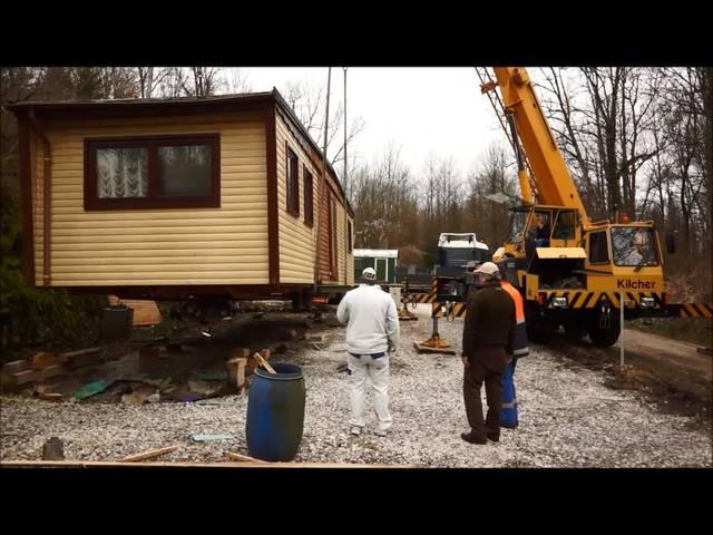 Das Haus der Familie Huber wird vom Standplatz in Rüttenen abtransportiert – der Abschied fällt schwer