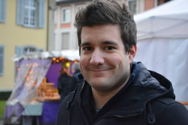 «Ich bin in Brugg aufgewachsen und deshalb gehört der Besuch des Brugger Weihnachtsmarkts für mich zur Tradition. Besonders schön finde ich, dass vor allem handgemachte Waren angeboten werden und nicht die ganzen industriell gefertigten Sachen, die man sonst auch überall kaufen könnte. Die Standbetreiber geben sich Mühe.»
