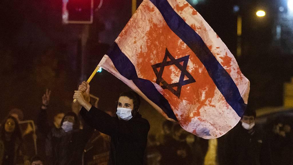 Serie gewaltsamer Proteste nach Unfalltod von 16-jährigem Siedler