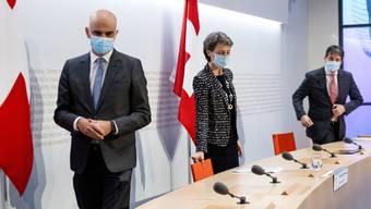 Alain Berset und  Simonetta Sommaruga am Sonntag an einer Pressekonferenz in Bern.