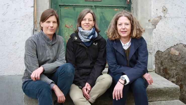 Bettina Wolfgramm, Muriel Pestalozzi und Kathrin Kuster, (v.l.) vor dem Studio Dietikon. Es fehlt Catherine Stocker.