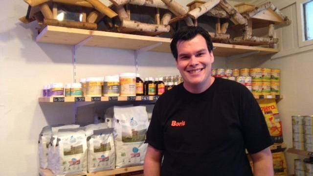 Der Besitzer des Tierladens in St.Georgen, Boris Zaalberg.