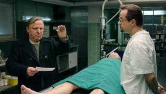 Streich bei den Dreharbeiten: Die lebende Leiche macht den «Tatort»-Kommissaren aus Münster zu schaffen.