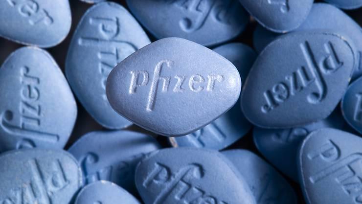 Zu den am häufigsten illegal importierten Arzneimitteln gehören gemäss Swissmedic nach wie vor Erektionsförderer. (Symbolbild)