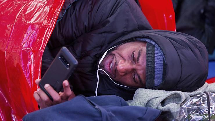 """""""Keinen Ort zu haben, an dem man sich nachts mit seinen Kindern hinlegen kann, ist eine entsetzliche Tragödie"""", sagte Schauspieler Will Smith bei einer Protestaktion gegen Obdachlosigkeit in New York."""
