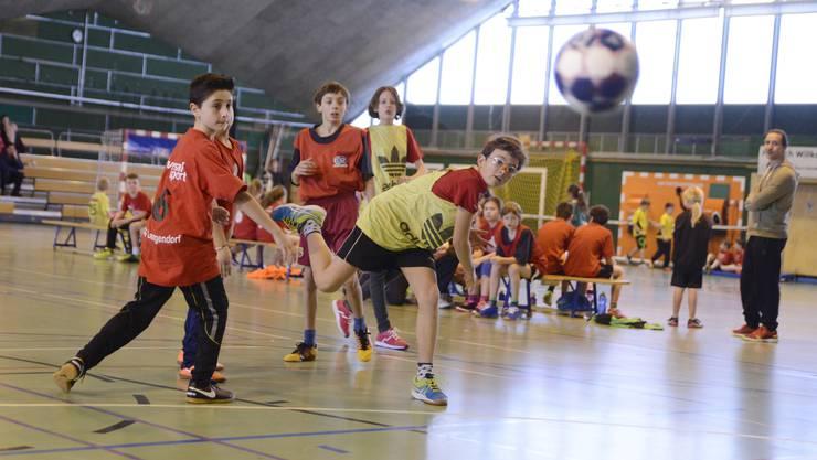 23 Teams, darunter auch vier Mannschaften des organisierenden Schulsports Solothurn nahmen am Turnier teil.