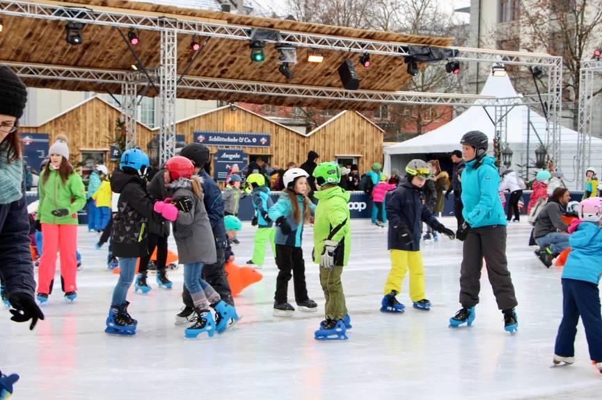 Im St.Galler Eizsauber kann man nur noch wenige Tage die Runden auf dem Eisfeld drehen. (Bild: FM1)