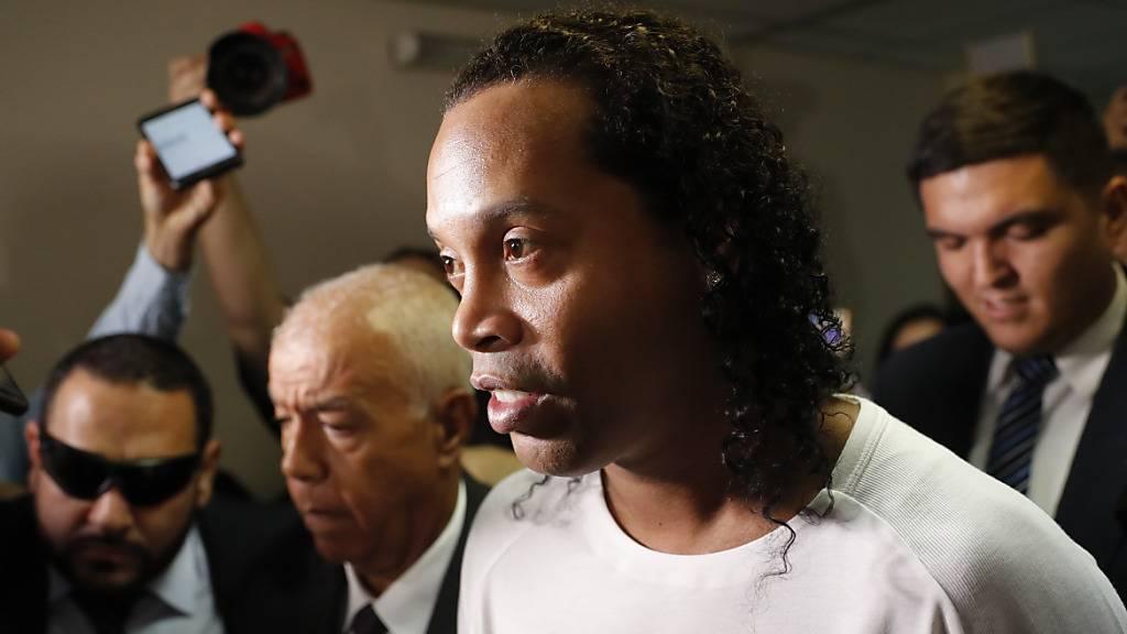 Ex-Fussballstar Ronaldinho bleibt in U-Haft