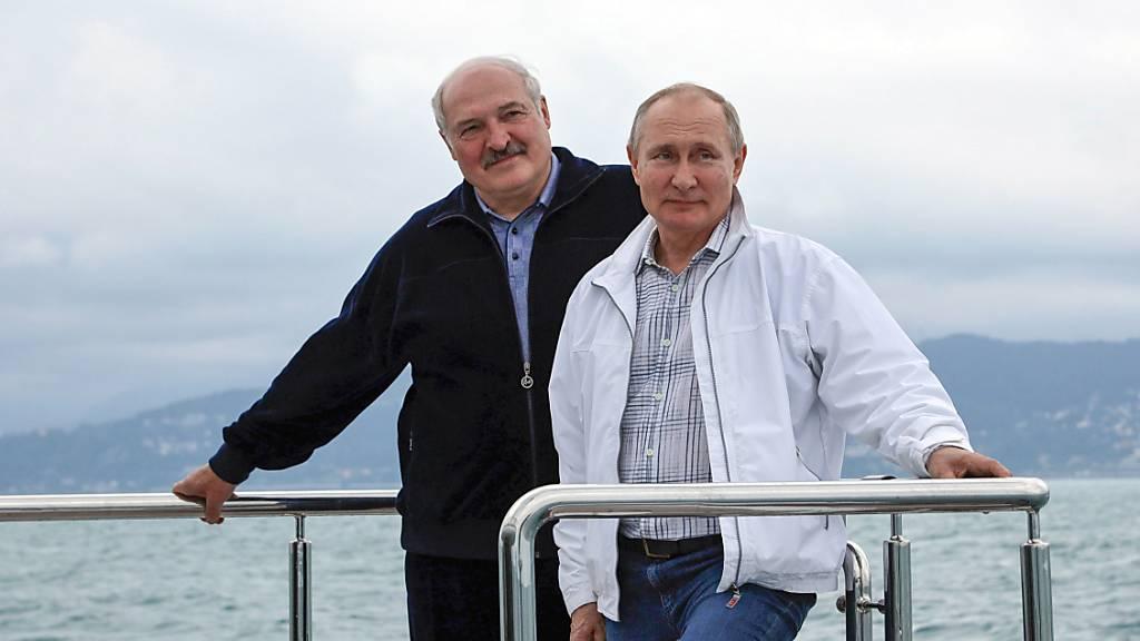 Putin hilft Lukaschenko mit Grosskredit – Westen macht weiter Druck