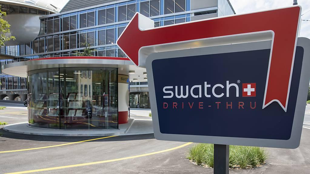 Die Swatch-Tochter ETA muss anderen Uhrenherstellern weiterhin mechanische Uhrwerke aus ihrer Produktion liefern. Die Wettbewerbskommission (Weko) hat die Ende 2019 auslaufende einvernehmliche Vereinbarung um ein Jahr verlängert. (Archivbild)