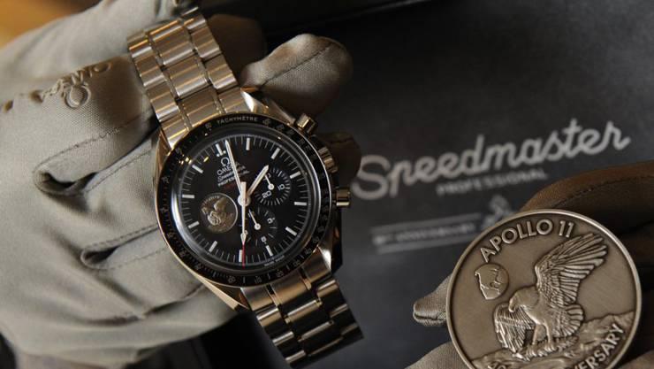 Omega ermöglicht es US-Kunden Luxusuhren wie den Speedmaster Online zu kaufen. (Archiv)