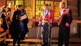 FGR-Präsidentin Béa Bieber ehrt René Wendelspiess (rechts) und Urs Hohler, die bei der FGR-Gründung vor vierzig Jahren schon dabei waren. rom