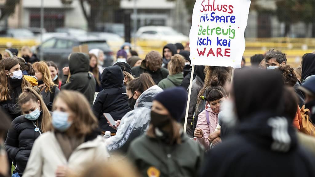 Demonstration in Zürich für bessere Kinderbetreuungs-Bedingungen