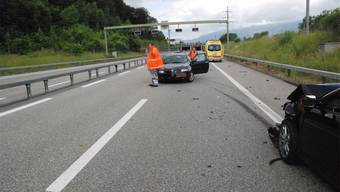 Die Polizei sicherte am Samstag die Unfallstelle auf der A5 in Richtung Biel.
