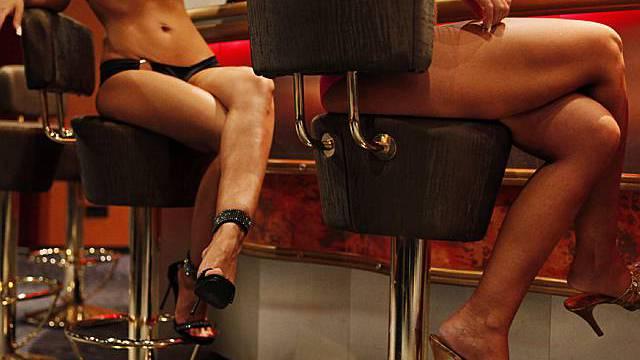 Bei einer Spezialkontrolle in einem Etablissement in Derendingen wurden vier Frauen in Haft genommen.(Symbolbild)