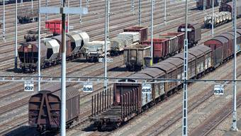 Beim Rangierbahnhof Limmattal soll es ein Container-Umschlagterminal geben. Dagegen wehren sich nun die betroffenen Gemeinden.