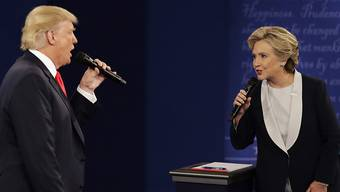 """""""Es gibt einen besseren Weg"""": Die frühere demokratische US-Präsidentschaftskandidatin Hillary Clinton rät ihrer Partei derzeit von einem Amtsenthebungsverfahren gegen Präsident Donald Trump ab. (Archivbild)"""