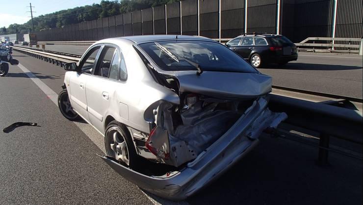 Das Unfallauto: Der Sachschaden beläuft sich auf zirka 10'000 Franken.